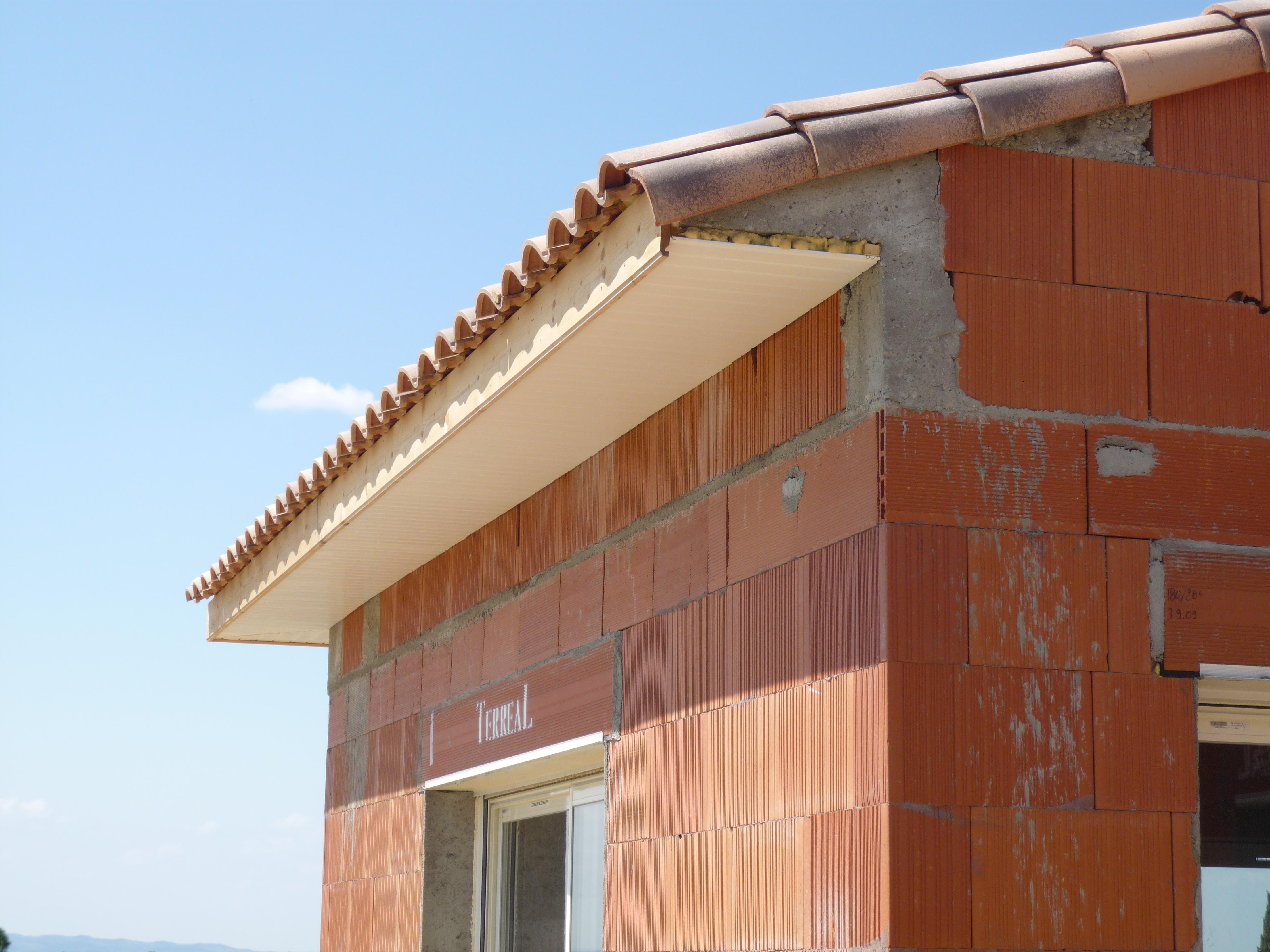 peinture dessous de toit baulne t l. Black Bedroom Furniture Sets. Home Design Ideas